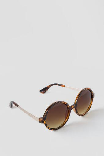 Holly Round Sunglasses in Tortoise