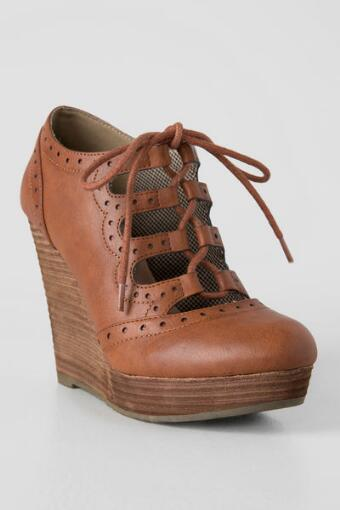 Laura Lace up Wedge